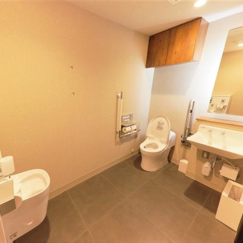 1階共用トイレはバリアフリー仕様です