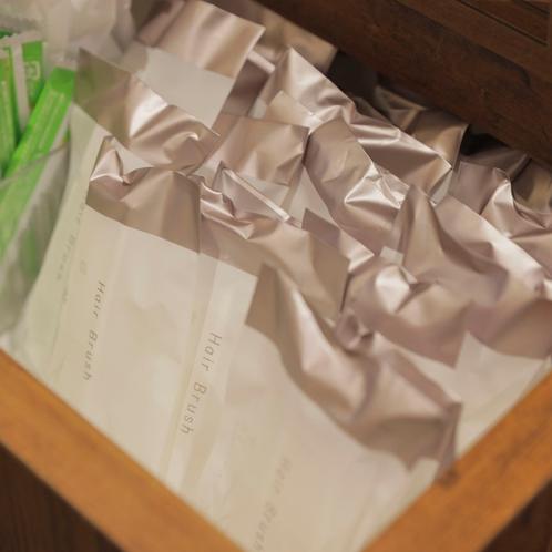【Organic】クシ・緑茶 希望の方はフロント前よりご自由におとりください