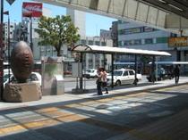 ① 熊谷駅北口を出て右側よりまっすぐ200m