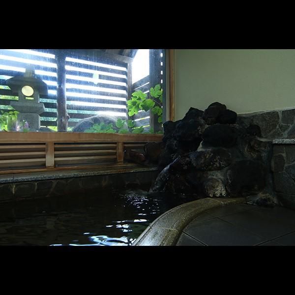 6人が入れる大浴場◆天然温泉で1日の疲れを癒してください。