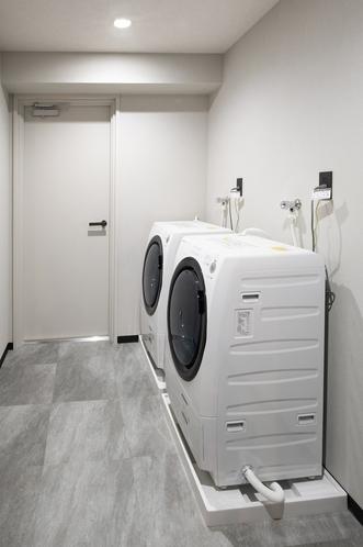 ◆乾燥機能付きドラム型洗濯機ランドリールーム◆ 1回使い捨いきりの液体洗濯用洗剤も無料サービス