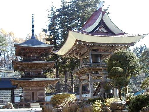 県宝高山寺