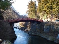 ◇神橋◇世界遺産「日光の社寺」の玄関ともいえる綺麗な橋です!! 車で15分
