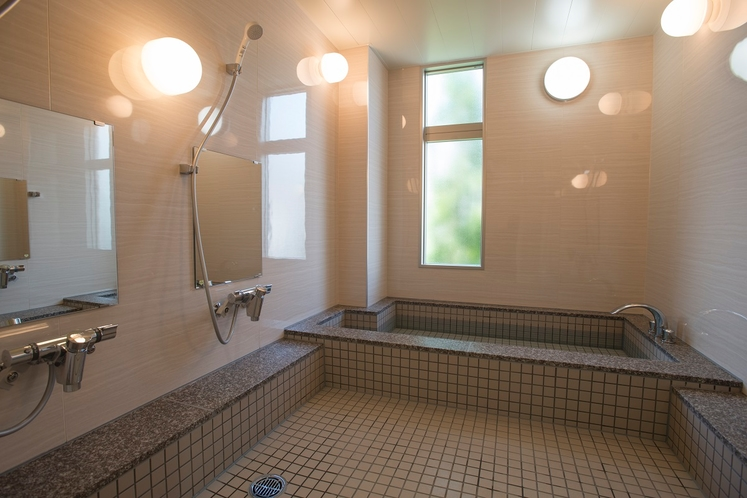 ◇大浴場◇ 館内には男女別の内湯をご用意しております 足をのばして一日の疲れを癒してください♪