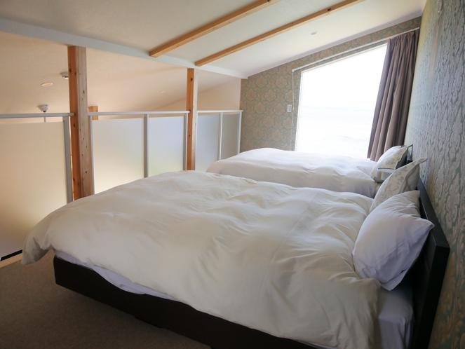 寝室(シモンズ製ダブルベッド)