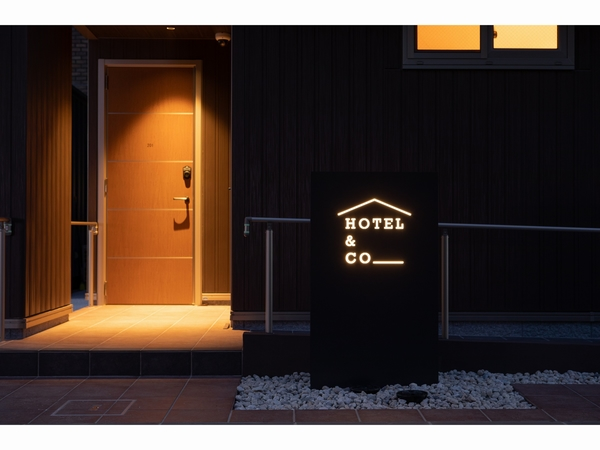 HOTEL&CO