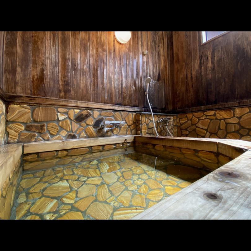 【お風呂 二の湯】こぢんまりしたお風呂でのんびり、湯ったり。