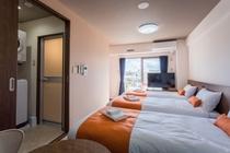 【ジョイトリプル】24㎡ 快適なフランスベッドを3台並べました、仲良し旅行にぴったり!