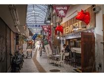 ホテル前の浮島通りから連なり交錯する多くの個性的で魅力的な「通り」「むつみ橋通り」