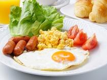 朝食などIHキッチンを使ってマイスタイルで。