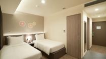 プレミアムツイン シンプルで機能的な1名から2名利用のホテルタイプのお部屋です。24㎡です。