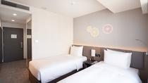 スタンダードツイン シンプルで機能的な1名から2名利用のホテルタイプのお部屋です。18㎡です。