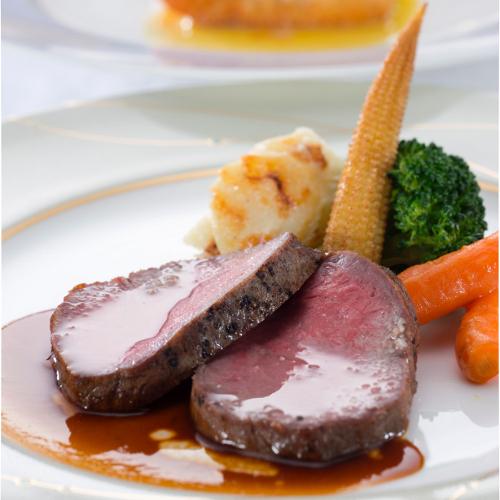 【ご夕食】メインお肉料理一例