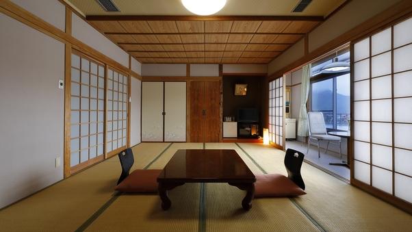 純和風の造りの落ち着いた雰囲気の本館和室(12畳)