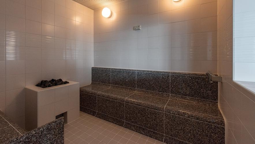 女性大浴場内にはミストサウナをご用意(男性大浴場内には高温の ドライサウナ)