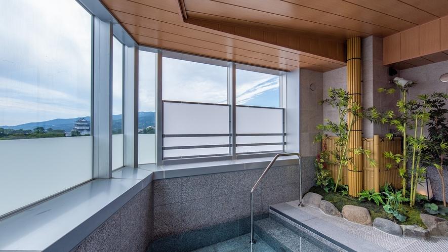 箱根湯本から運ぶ天然温泉を開放的な露天風呂で(男性大浴場)