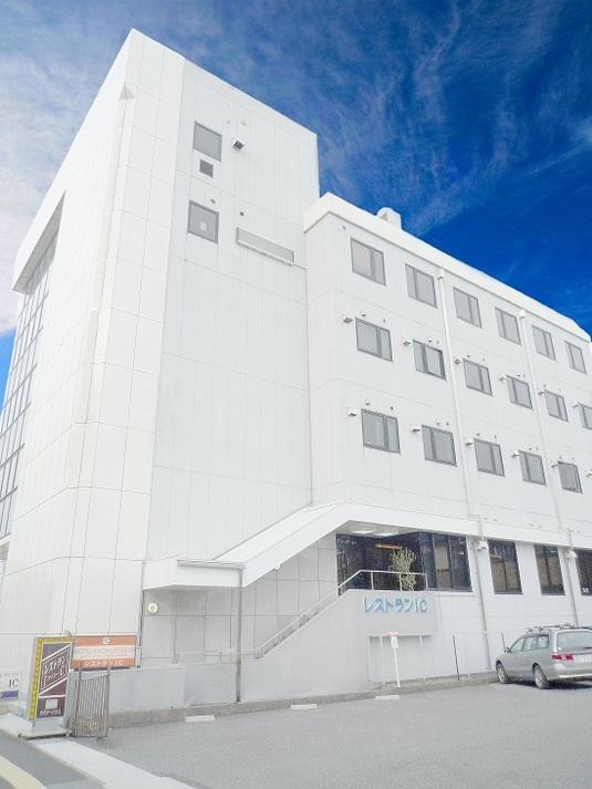 ホテル全景(空)