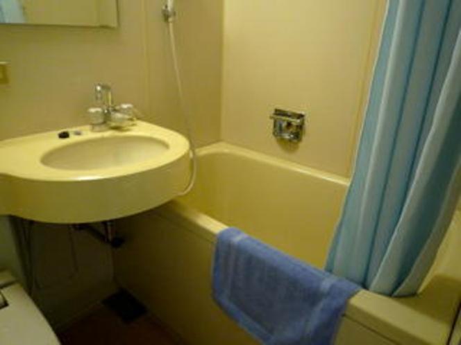 浴槽と洗面台