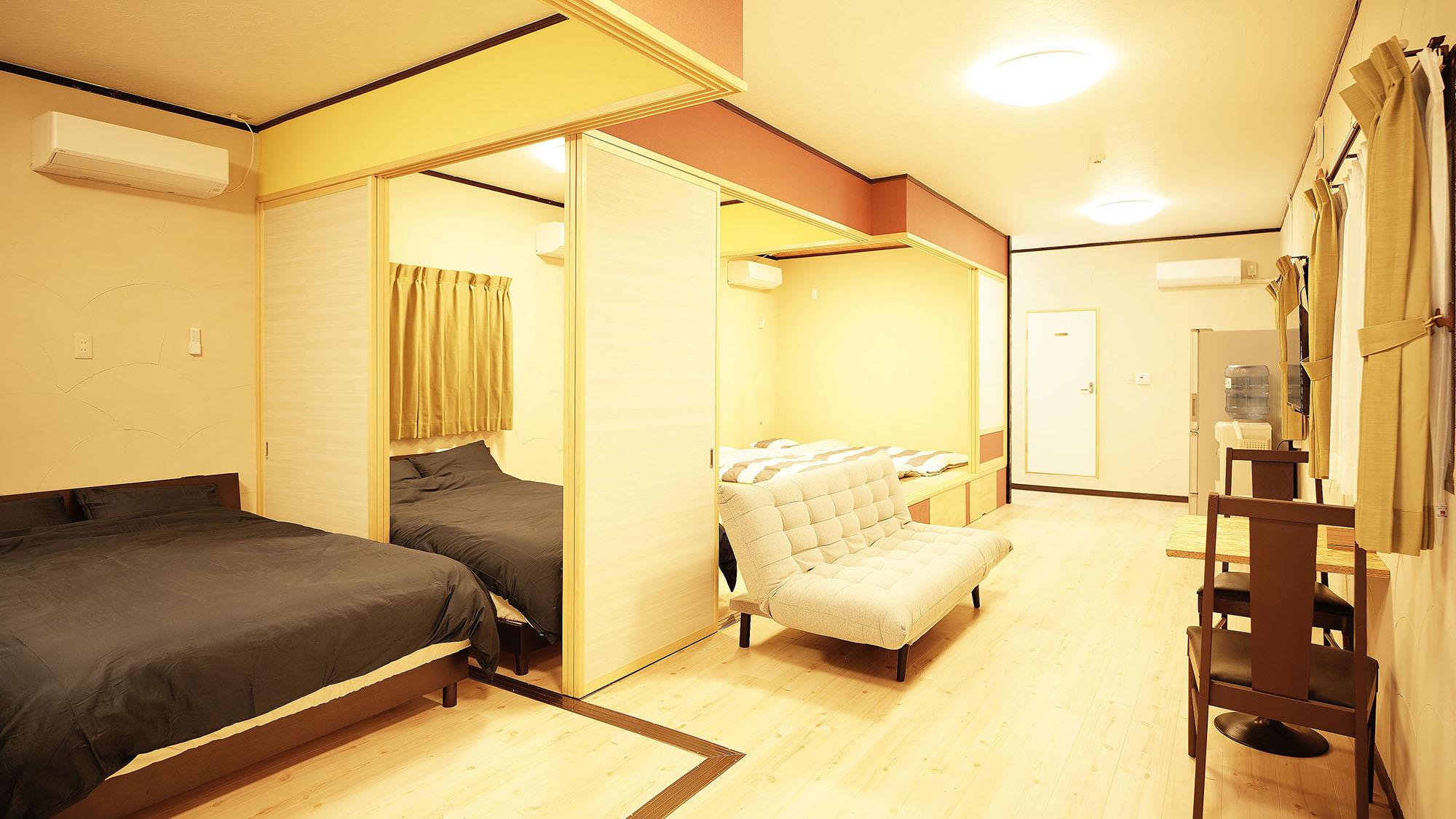 ・101号室:扉を開けると一つの空間に!開放感のあるリビングルーム