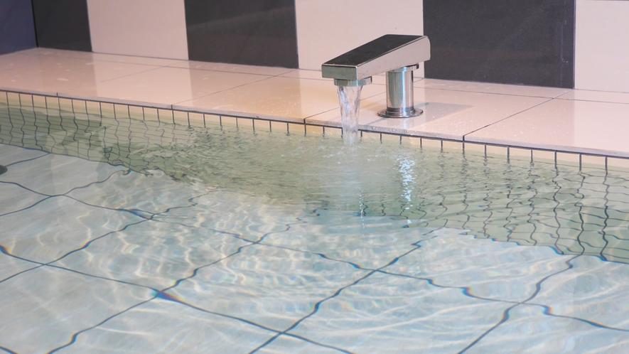 【大浴場】流れるお湯の音が心地よい♪