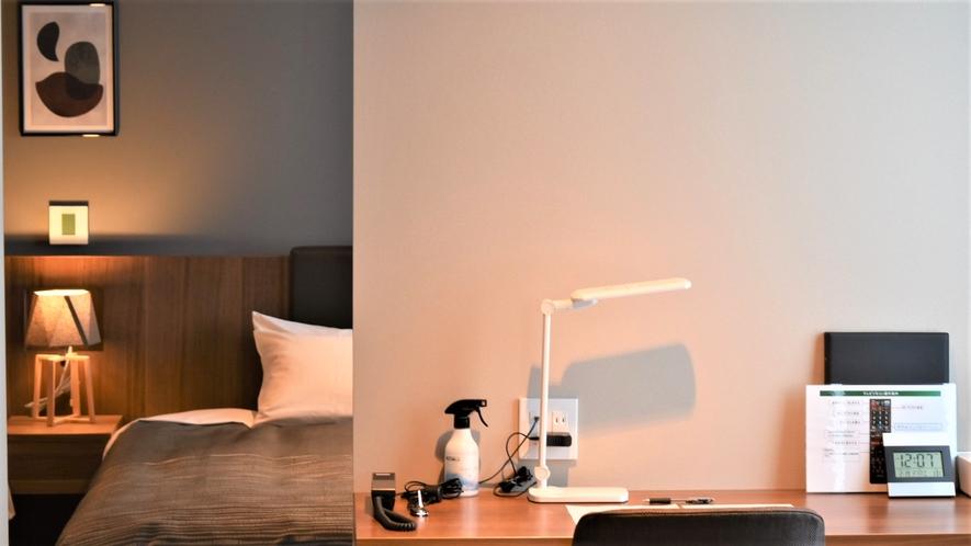 【ジュニアスイート】リビングルームとベッドルームと2つの空間でゆったり過ごせます。