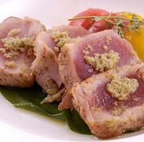 ある日のお魚料理 マグロのポワレ 特製天城ビネグレット