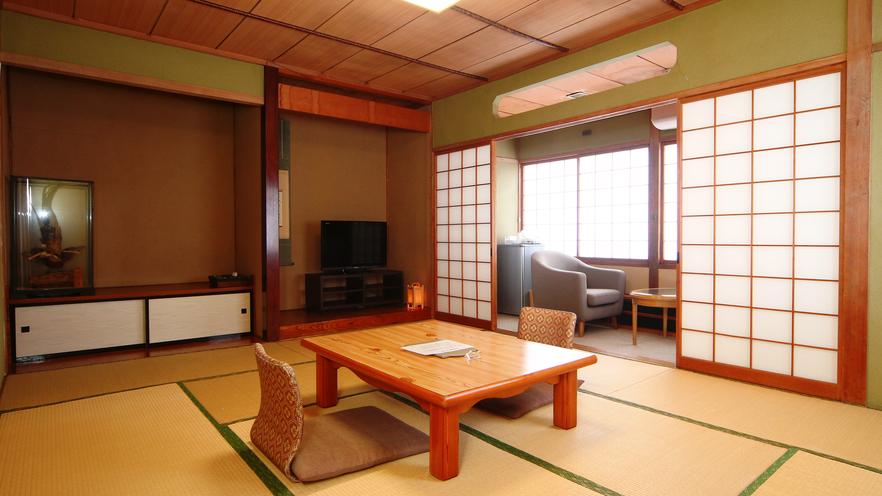 客室◆バストイレ付き和室10畳+広縁。1室限定の人気客室です。