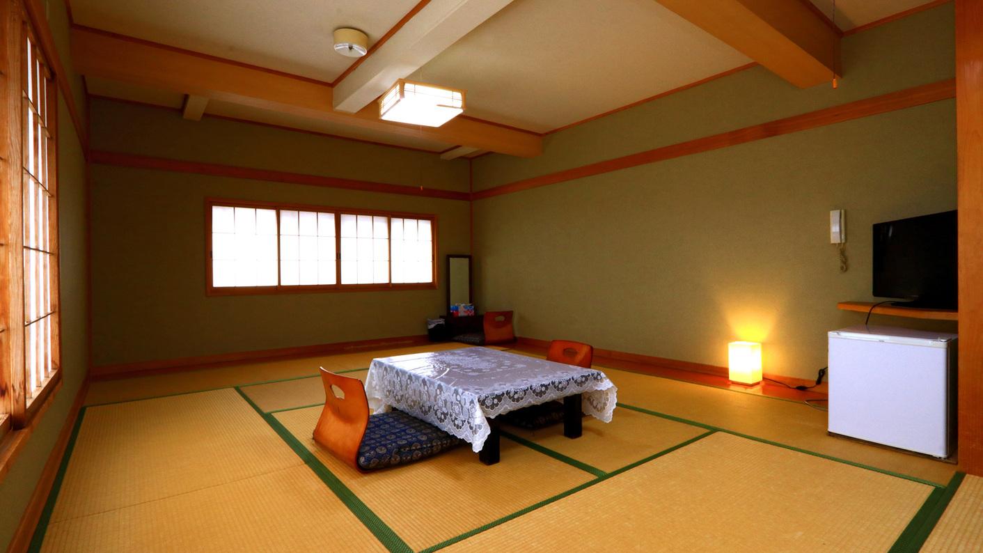 広々とした和室12畳のお部屋です。
