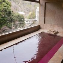 貸切テーマ風呂【ワイン】◆ワインの香りが特徴の、砂岩石を用いたお風呂です。※1回40分2,160円