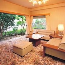 露天風呂付◆貴賓室 曲水亭-夕顔-◆リビングにはマッサージチェアを1台ご用意しております。