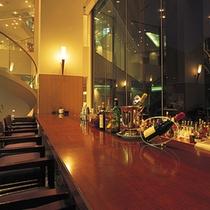 バー「ムーンビーム」◆ワイン、ブランデーやオリジナルカクテルを多数ご用意してお待ちしております。