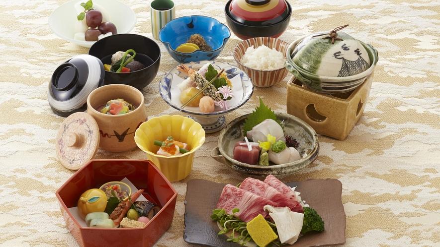 夕食(季節の京会席)◆游月山荘は「ビュッフェ」「部屋食」、プランによってお選び頂けるのが魅力です♪