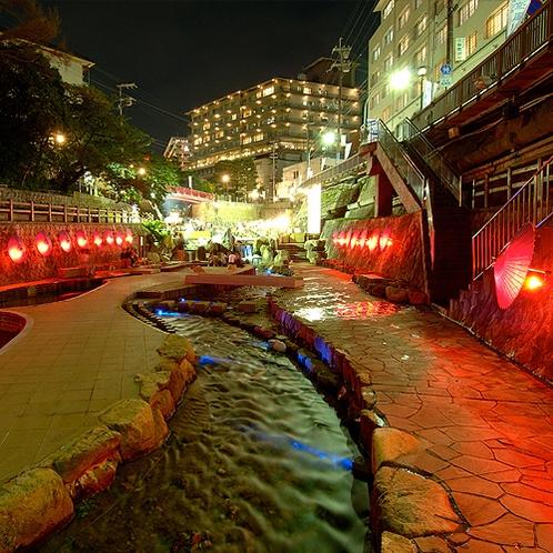 【月光園から徒歩10分】親水公園◆川遊びを楽しめる、ファミリーやカップルに人気のスポット。