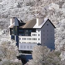 【絶景の宿】冬の雪景色◆1年に2,3日は雪で真っ白に覆われる日があり、幻想的な雰囲気に包まれます。