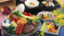 幼児用のお食事◆お子様ランチ風のお重は、ハンバーグやエビフライ・神戸牛の鍬焼きなど、お子様も大満足♪