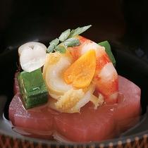 最上階ロイヤルスイート◆お料理一例/季節の彩りを大切に、目でも楽しめるお料理を、お二人のために。