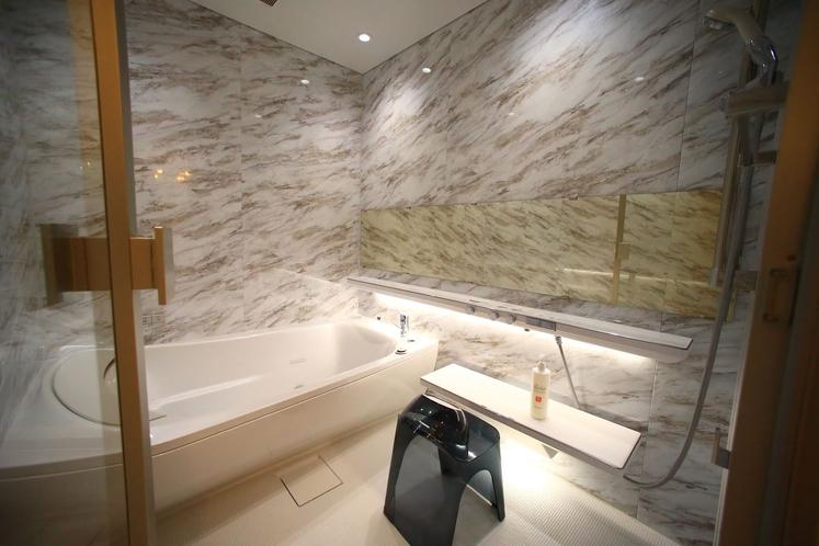 「ロイヤルスイート」バスルーム