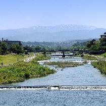 犀川はホテルのすぐ近くを流れます!