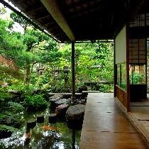 日本庭園ランキングで第3位に輝いたこともある野村家庭園
