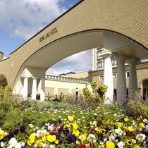 【ローズガーデン】ようこそ、癒しのガーデンホテルへ。庭がもたらすうるおいを存分に