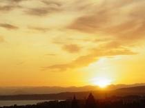 客室から見る「日の出」