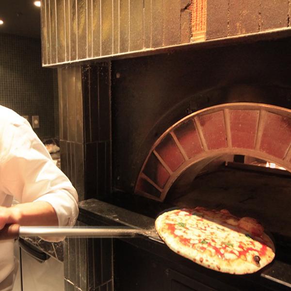 レストランVILAZZA 自慢の釜焼きピザ♪