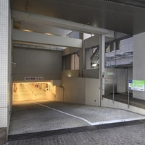 駐車場 入口(予約不可)