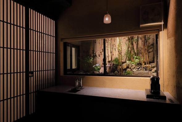 【素泊まりプラン】京町家・一棟貸切★お庭を眺める和モダン空間での寛ぎのとき