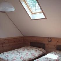 天窓の洋室