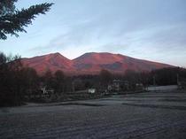 浅間山の朝焼け