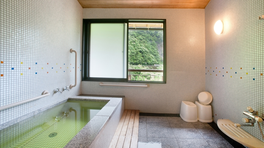 *【禁煙・バリアフリー】1F洋室10畳(客室温泉・トイレ付)/ベット派の方にオススメのお部屋です。