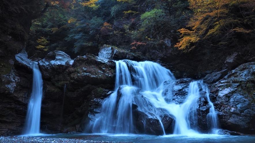 *周辺観光/当館から車で約30分。迫力のある3段の大轟の滝をご覧いただけます。