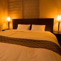 お部屋◆キングサイズのダブルベッド
