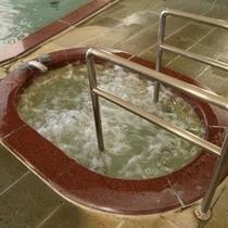 【バイブラ風呂】女湯/ジャグジーの程よい刺激で、日頃の疲れを癒してくれます